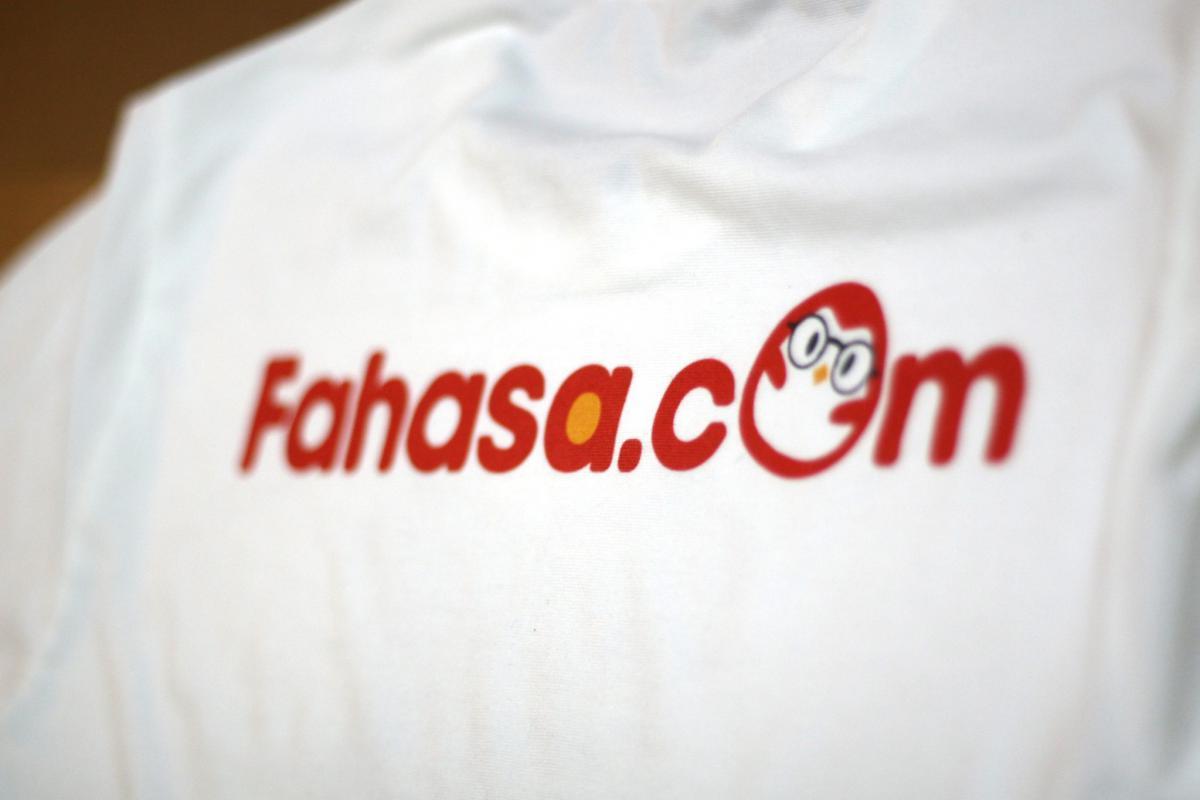 Đồng phục công ty Fahasa Viet Nam #0