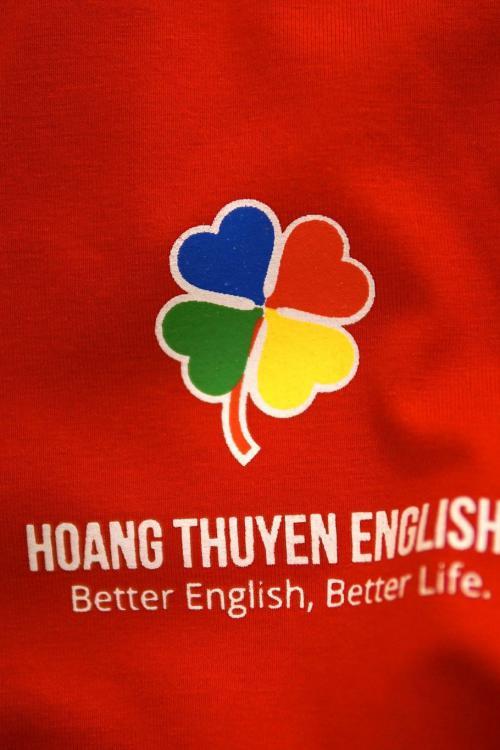 Đồng phục Trung tâm Anh Ngữ Hoàng Thuyên English