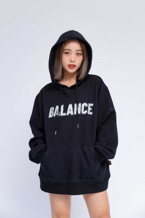 Áo Hoodie Oversized Nữ Balance R&G