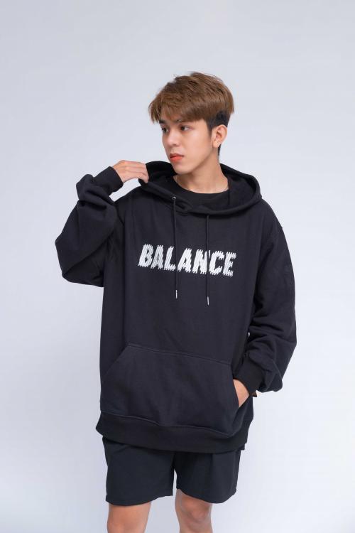 Áo Hoodie Oversized Nam Balance R&G