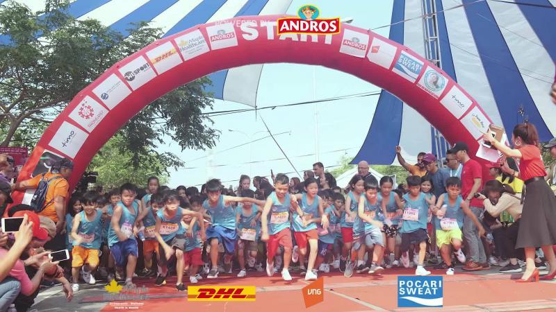 dong-phuc-chay-bo-lakes race.jpeg